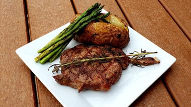 ribeye with potato and asparagus